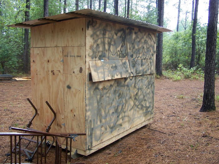 A diy guide on building a box blind hunting blind deer for Wooden box tree stands